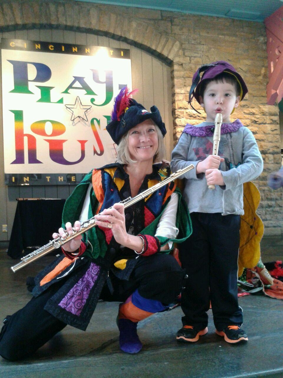 Pied-Piper-Cincinnati-Playhouse-Donna-with-young-piper